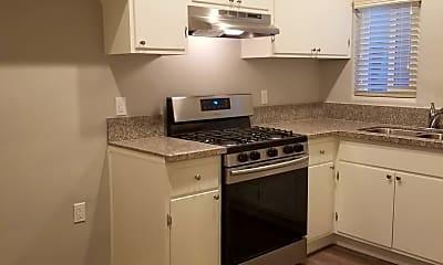 Kitchen, 2443 Palm Pl, 1