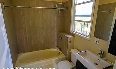 Bathroom, 1022 - 1026 Linden Street, 2
