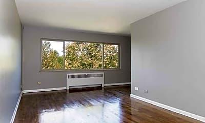 550 E 3rd Avenue Apartments, 1
