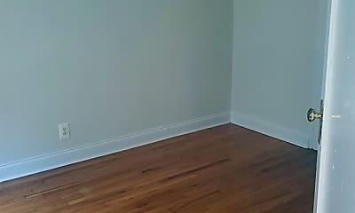 Bedroom, 3919 N Pine Grove Ave, 1