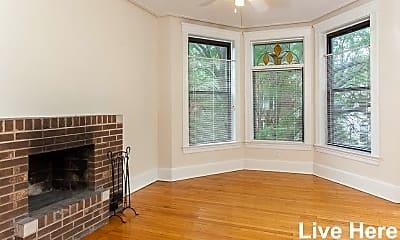 Living Room, 3927 N Wilton Ave, 2