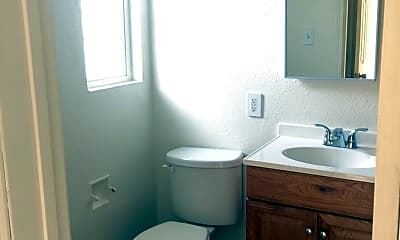 Bathroom, 3511 Chicago Ave, 2