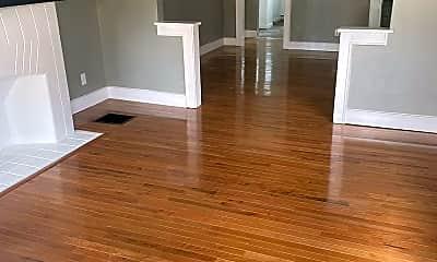 Living Room, 600 Racine Ave, 0