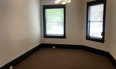 Bedroom, 624 S Center St, 1