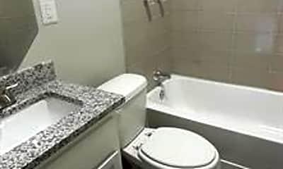 Bathroom, 908 W Waggoman St, 2