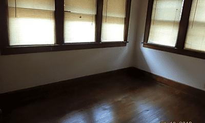 Living Room, 2379 Neil Ave, 2