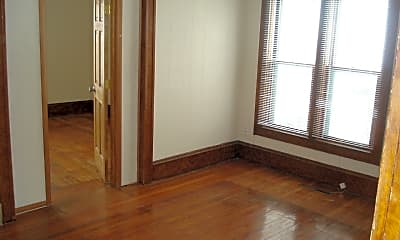 Bedroom, 1000 W Oakland Ave, 1