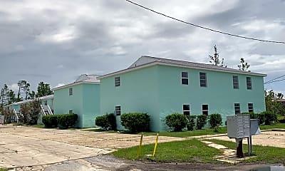 Building, 168 N Comet Ave, 2