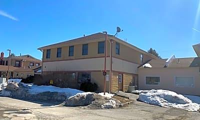 Building, 100 Quarry Rd E, 1