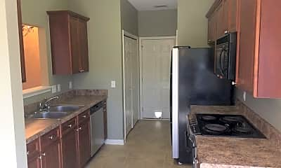 Kitchen, 756 Forest Lakes Dr, 1