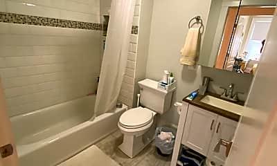 Bathroom, 20 Moraine St, 2