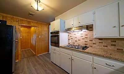 Kitchen, Room for Rent -  a 3-min drive to Kroger Grocery S, 0