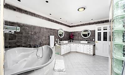 Master bath, 1575 Stillwater Drive, 2