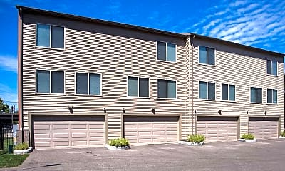 Circle East Townhomes, 2