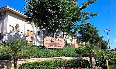 Plaza Verde, 1