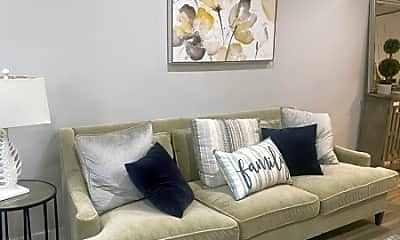Living Room, 39 Boston Ct, 1