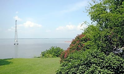 View, Holland Apartments On The James, 2