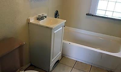 Bathroom, 3332 N Richards St, 2