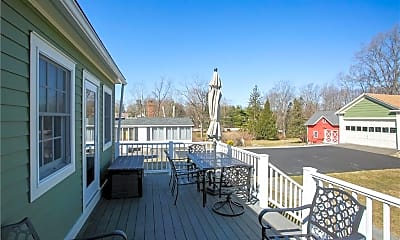 Patio / Deck, 10 Barry Ave, 2