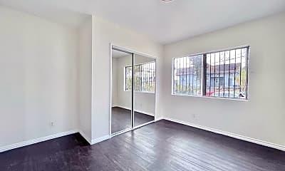 Living Room, 2605 Michigan Ave, 2