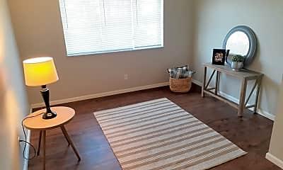 Living Room, 2140 Hampton Ave, 1