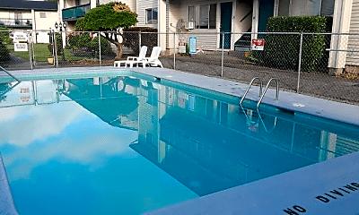 Pool, 109 Franklin St, 2