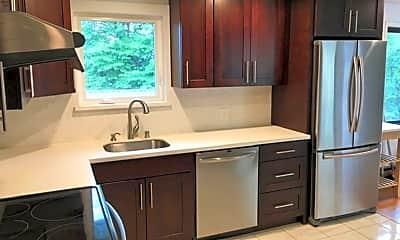 Kitchen, 1529 NE 92nd St, 1