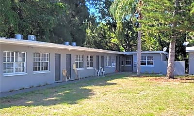 Building, 1135 Pinellas St A, 2