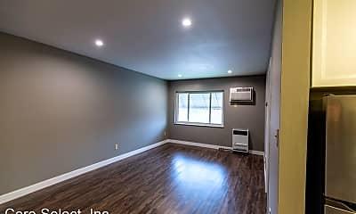 Living Room, 2333 Neil Ave, 1