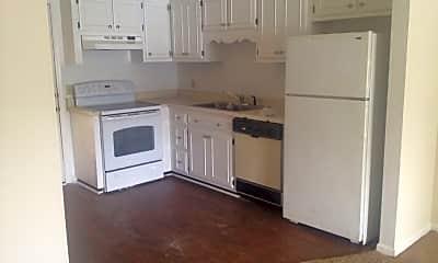Kitchen, 100 Lanier Dr, 1
