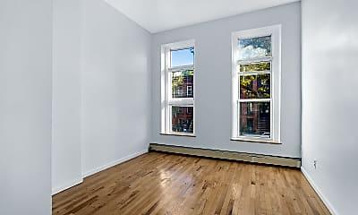 Living Room, 465 Kosciuszko St 3, 0