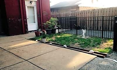 Patio / Deck, 607 E Carson St, 2