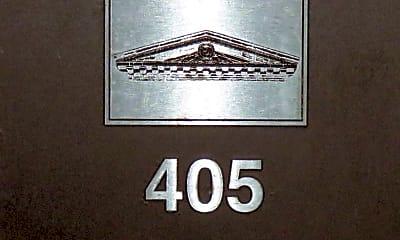 Bathroom, 1401 Scott St, 2