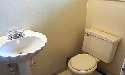 Bathroom, 1597 Meadow Rd, 2