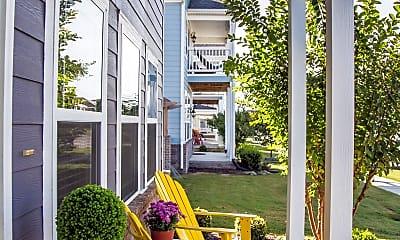 Patio / Deck, 610 N Longfellow Ln, 1