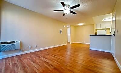 Living Room, 9413 Winter Gardens Blvd, 0