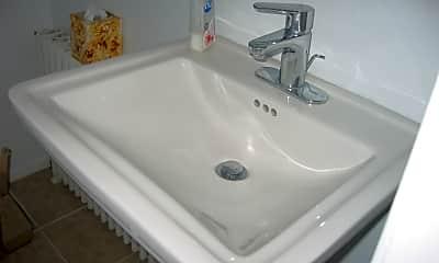 Bathroom, 843 Western Ave, 2