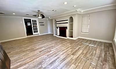 Living Room, 2719 Eisenhower Rd, 1