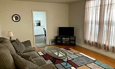 Living Room, 821 W Buffalo St, 1