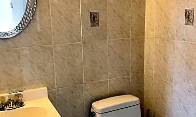 Bathroom, 337 Hamden Ave 1, 2
