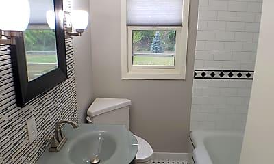 Bathroom, 174 Twin Lake, 2