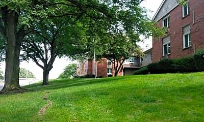 Auburn Manor, 0