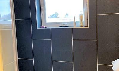 Bathroom, 2233 Eliot St, 2