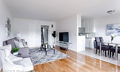 Living Room, 725 N Hayworth Ave, 1