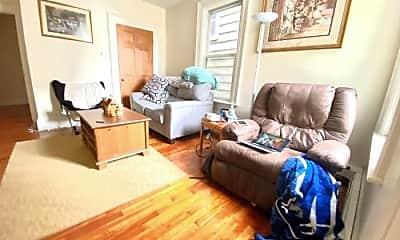 Living Room, 221 Saratoga St, 2