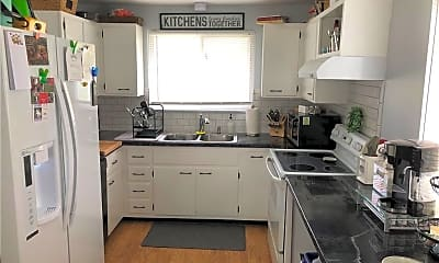 Kitchen, 4 Green Moor Way, 1