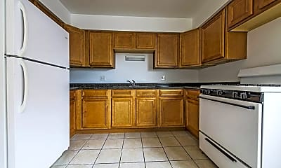 Kitchen, 8231 S Ellis Ave, 2