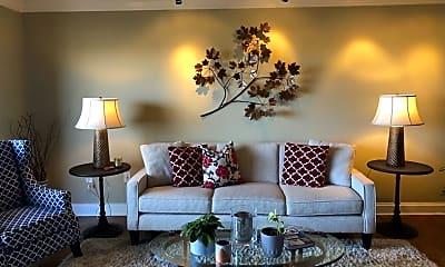 Living Room, 400 Groveland Ave, 2