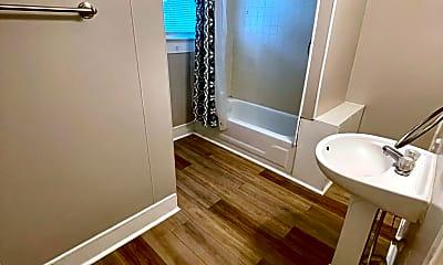 Bathroom, 1028 1/2 S Center St, 2