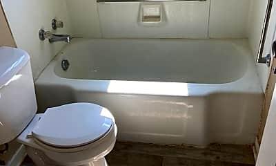 Bathroom, 243 Parkview Blvd, 2